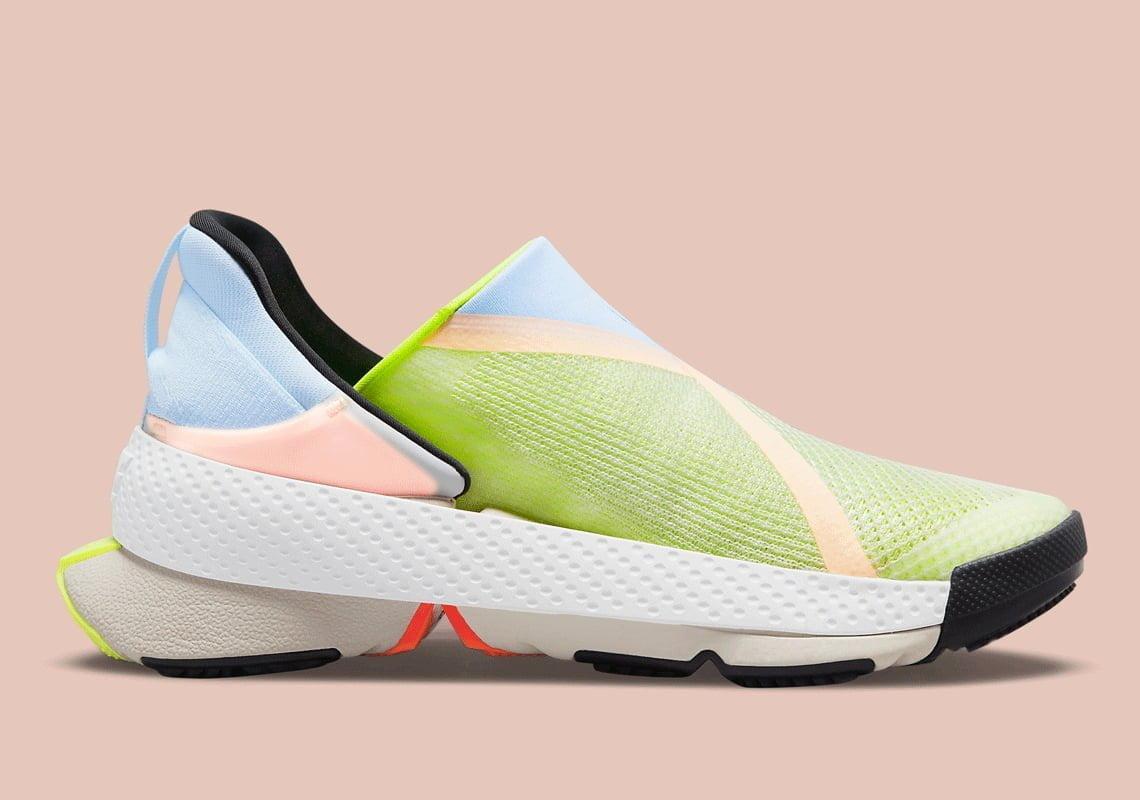 Bu görsel boş bir alt niteliğe sahip; dosya adı Nike-Go-FlyEase-CW5883-100-08.jpg