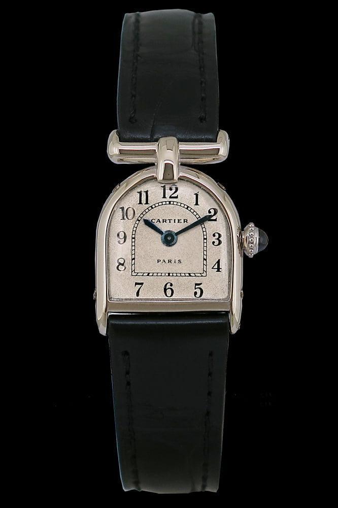 Bu görsel boş bir alt niteliğe sahip; dosya adı Cartier-Cloche-1920.jpg