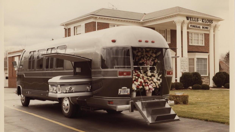 Bu görsel boş bir alt niteliğe sahip; dosya adı Airstream-Funeral-Coach-1240x698.jpg