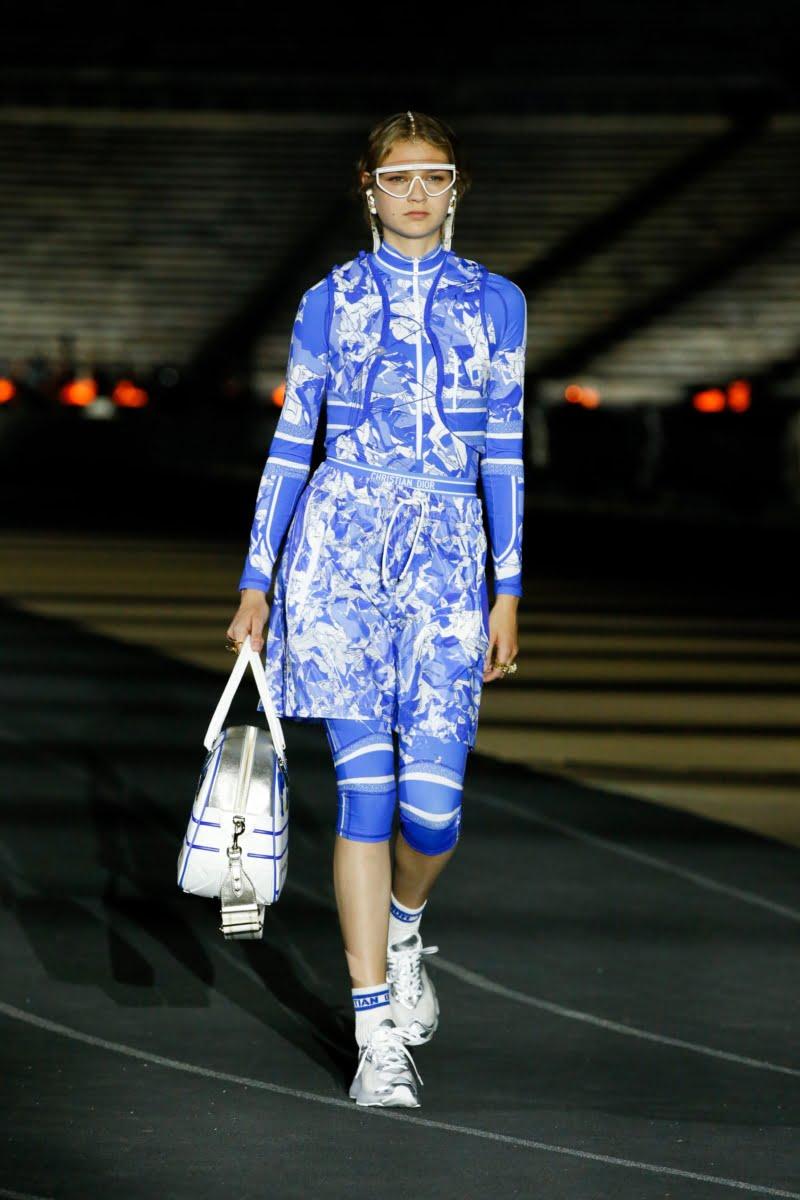 Bu görsel boş bir alt niteliğe sahip; dosya adı 00033-Dior-Resort-2022-credit-brand-800x1200.jpeg