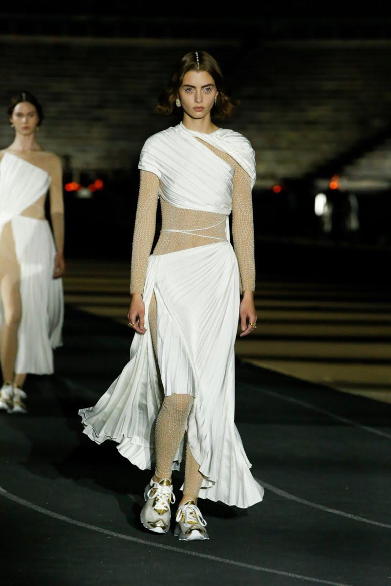Bu görsel boş bir alt niteliğe sahip; dosya adı 00035-Dior-Resort-2022-credit-brand-800x1200.jpeg