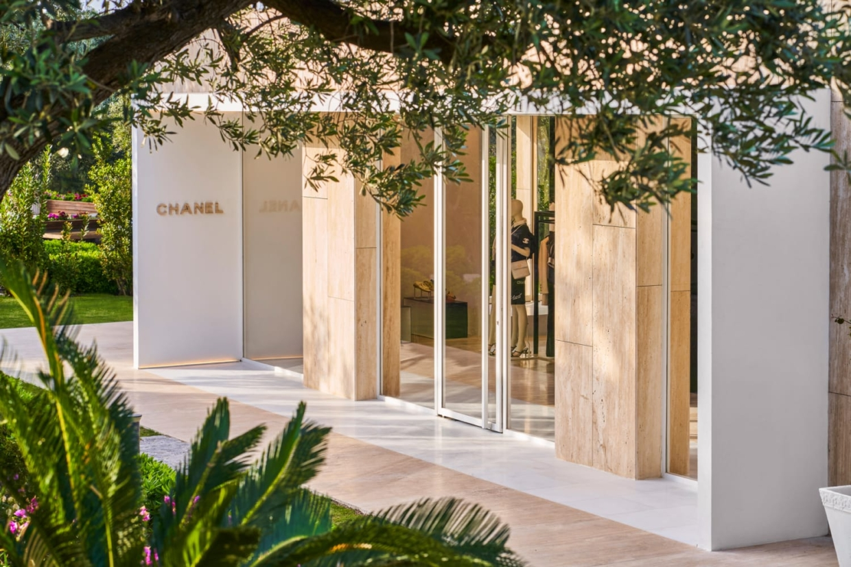 Bu görsel boş bir alt niteliğe sahip; dosya adı ccc-chanel-bodrum-seasonal-boutique-2021-5-LD-1240x827.jpg